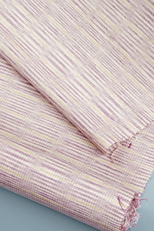 草木染め手織紬:緯かすみ絣