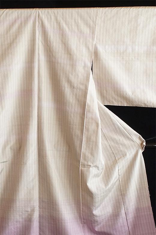 芝崎圭一 制作:草木染め織物:裾暈かし織/ログウッド